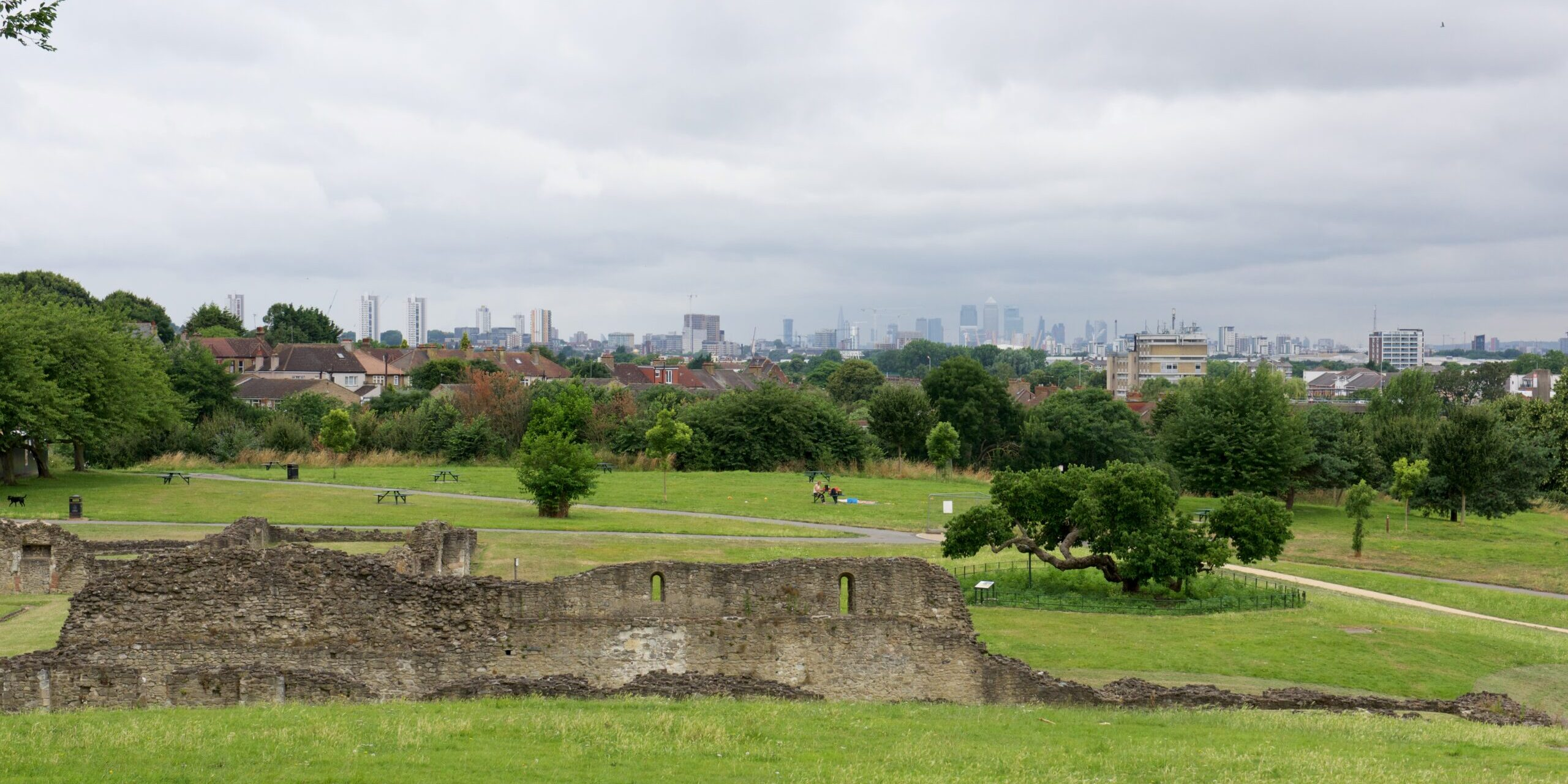 Lesnes ruins and city of London