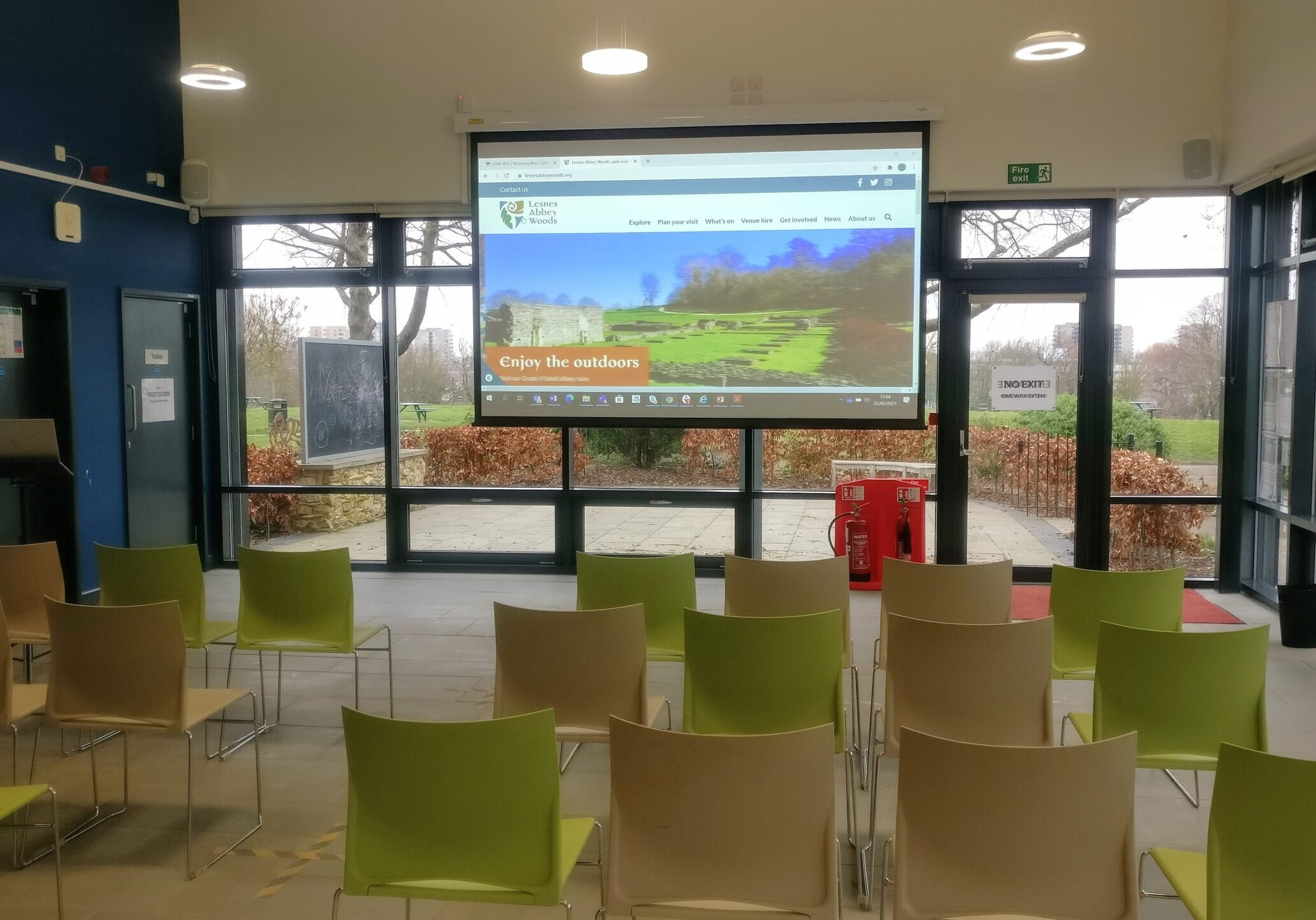 Lesnes Abbey Lodge with screen
